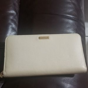KATE SPADE IVORY WALLET BRAND NEW